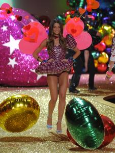 Lily Aldridge sexy lingerie Victoria's Secert show