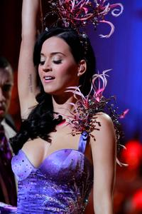 Katy Perry big boobs and ass cleavage at Victorias Secret fashion show